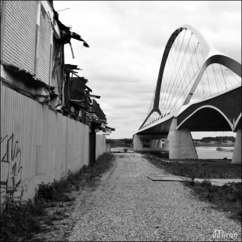 De Oversteek brug Honig Nijmegen