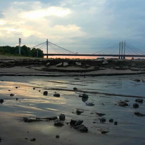 Waal zonsondergang Ewijkse brug
